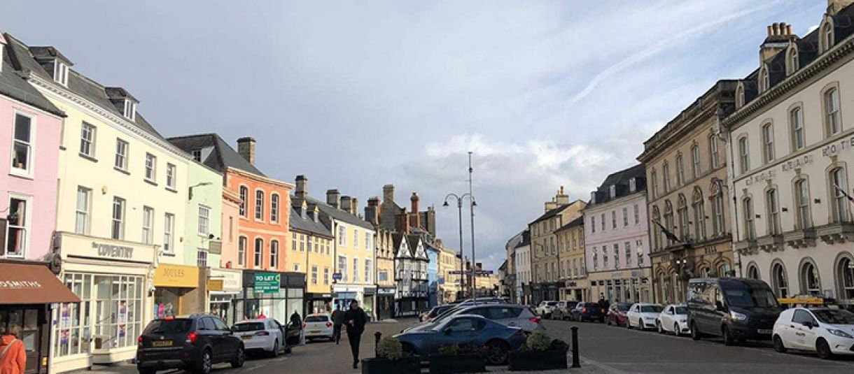 Shopping In Cirencester: A Guide image
