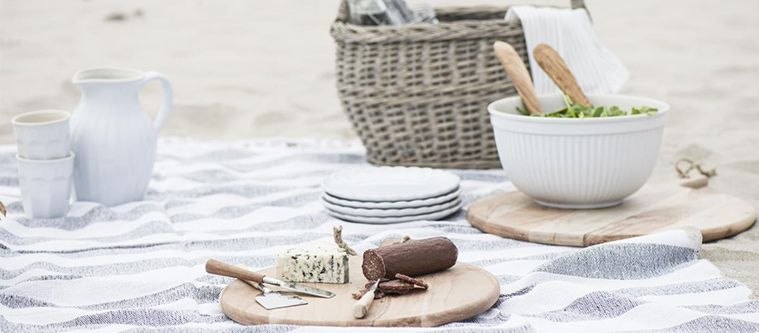 Picnic & Outdoor Tableware image