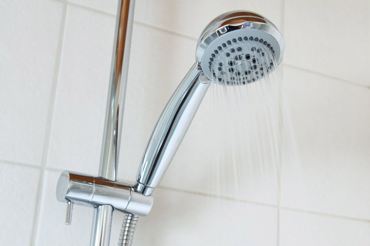 How to Fit a Shower  image